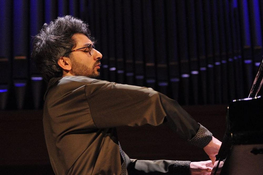 Հայկ Մելիքյանի մենահամերգը Բրյուսելում   - Armenian National Music (anmmedia.am)