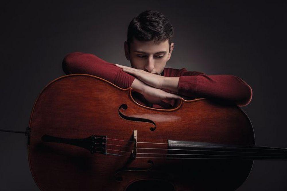 Narek Hakhnazaryan - Armenian National Music (anmmedia.am)