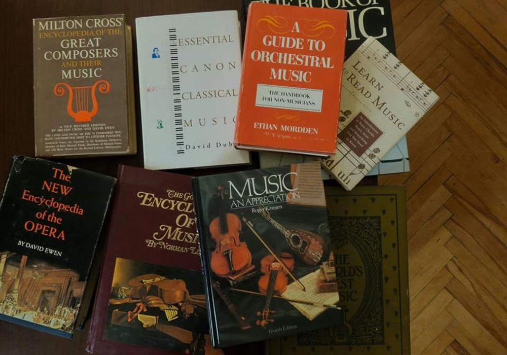 Books, digitized discs․ donation to Yerevan Conservatory - Armenian National Music (anmmedia.am)