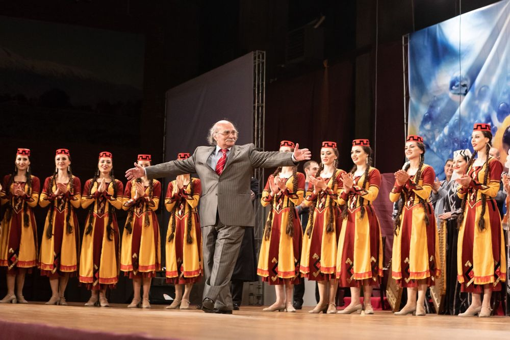 Artistic director of Ensemble of Song and Dance Jirayr Altunyan passed away - Armenian National Music (anmmedia.am)