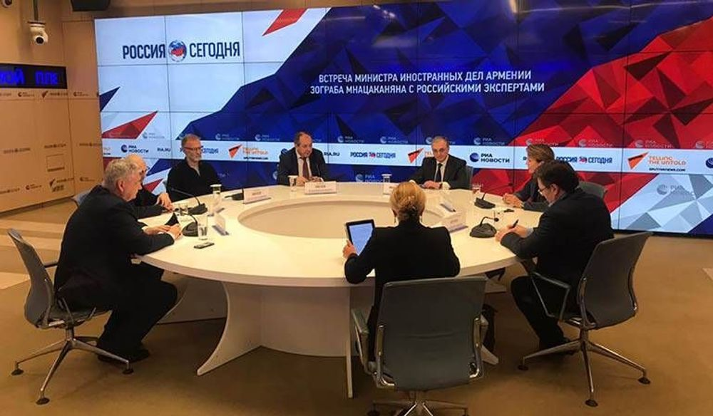 Off the record meeting of Foreign Minister Zohrab Mnatsakanyan with the Russian experts and political scientists - Armenian National Music (anmmedia.am)