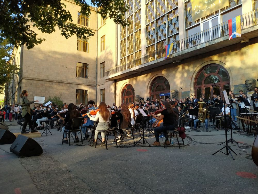Song and fear are incompatible with each other - Armenian National Music (anmmedia.am)