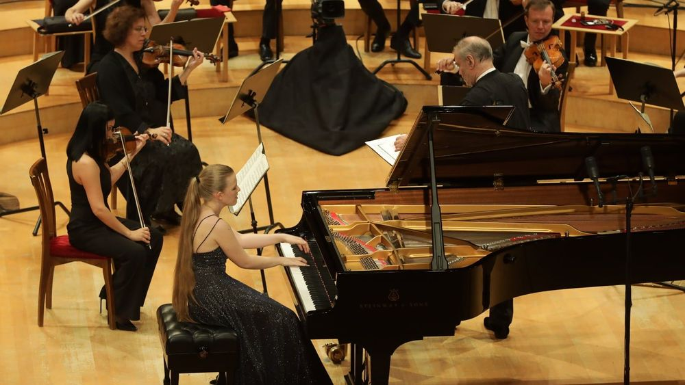 Eva Gevorgyan performed with the orchestra of the Mariinsky Theater - Armenian National Music (anmmedia.am)