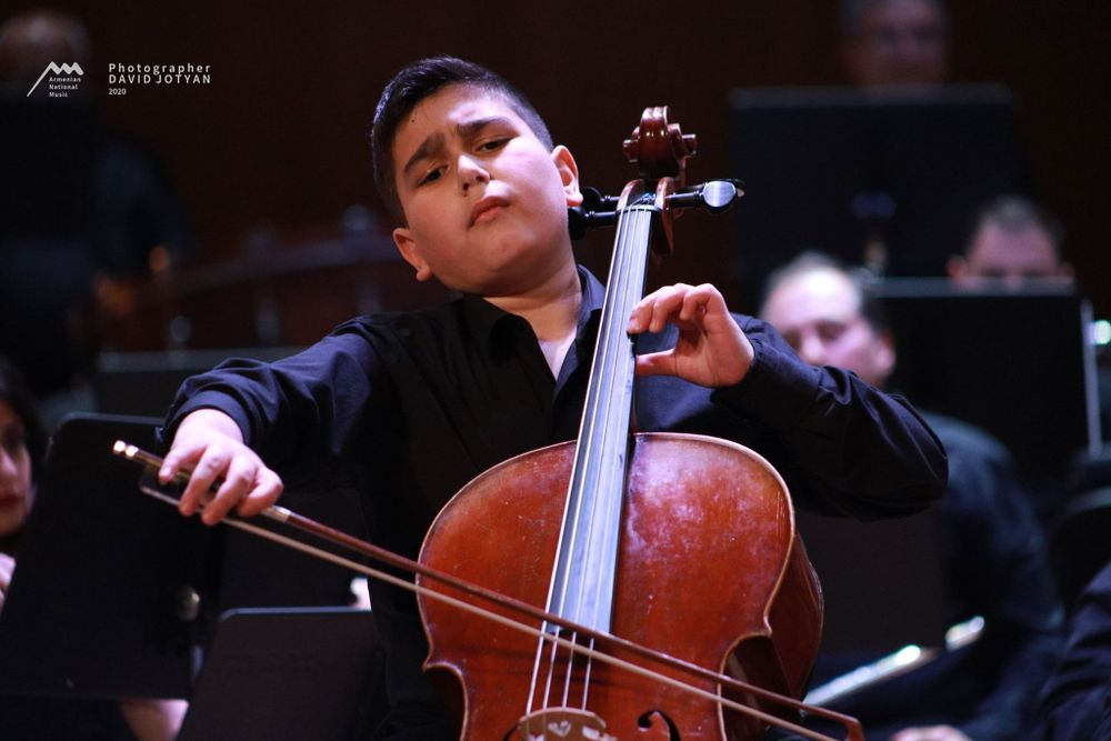 Young Armenian cellist is a nominee of international awards - Armenian National Music (anmmedia.am)