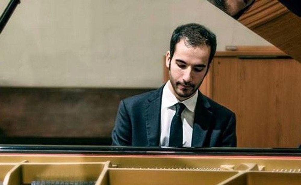 Ֆրեզնոյաբնակ դաշնակահարը ելույթ կունենա «Երիտասարդ հայ տաղանդներ» համերգաշարի շրջանակներում - Armenian National Music (anmmedia.am)