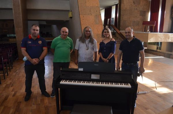 Komitas Chamber Music Hall equipped with a Yamaha clavinova