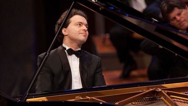 ⁣Evgeny Kissin joins humanitarian initiative of the Armenian Assembly