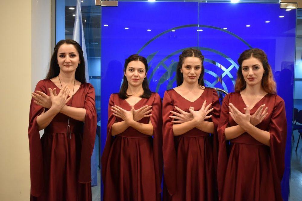 «Ես լսում եմ քեզ»  - Armenian National Music (anmmedia.am)
